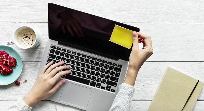 Cómo contratar a un redactor freelance